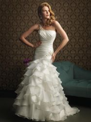 China White Embroidered Beading Wedding Dress Sj08